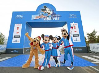 Disney Characters at the Half Marathon ©Disney