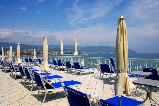 Hotel Arc en Ciel, Diano Marina - Solarium (C) Hotel Arc en Ciel