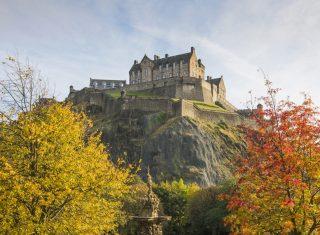 Edinburgh, Scotland - Edinburgh Castle in autumn seen from Princes Street Gardens © VisitScotland, Kenny Lam EXPIRES 18.1.2022