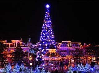 Christmas tree on Main Street, U.S.A.®