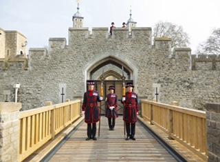 Yeoman Warders stand by the Middle Drawbridge in Tower of London © Historic Royal Palaces/Richard Lea-Hair