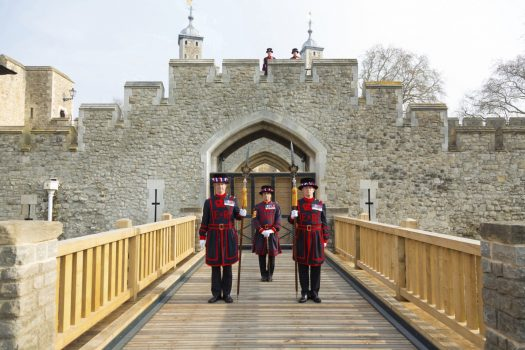 Tower of London, London - Yeoman Warders stand by the Middle Drawbridge (5925) © Historic Royal Palaces, Richard Lea-Hair