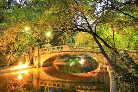 Romania, Bucharest, Cismigiu Park, Group Travel NCN