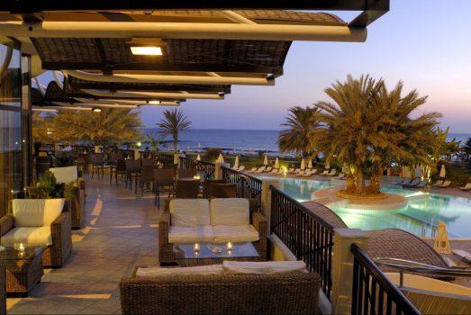 Athena Beach Hotel - Veranda night spot