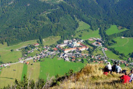 Germany, Bavaria, Ammergau Alps, Walking, Hiking, Rambling, Group Travel, Ettal © Ammergauer Alpen GmbH, Oberammergau Tourismus. Photo Birgit Pössinger
