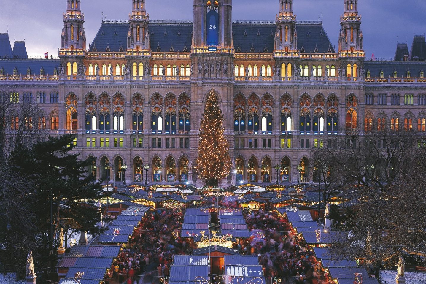 Christmas In Austria 2019.Austria Christmas Market In Vienna And Town Hall Square