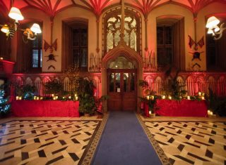 Belvoir Castle, Leicestershire - Hall decorated for Christmas (NCN1)