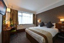Best Western Cresta Court Hotel - Bedroom