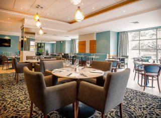 Best Western Cresta Court Hotel - Restaurant