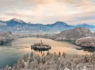 A winters morning in Bled © Franci Ferjan - www.slovenia.info