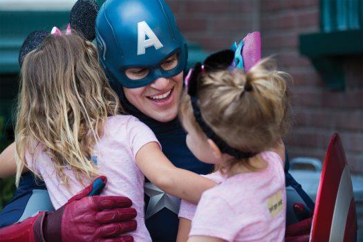 Meeting Captain America ©Disneyland Paris