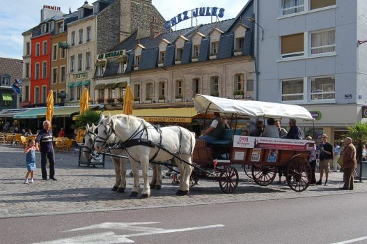 Boulogne horses and carriage sightseeing, France ©Informationfrance