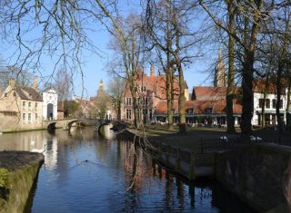 Belgium, Bruges, Canal, winter, valentine's day, group travel ©Emma Beard