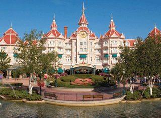 Disneyland ®Hotel © Disney