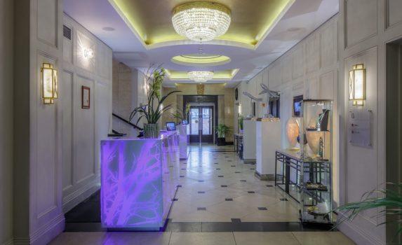 DoubleTree by Hilton London Greenwich, London - Lobby