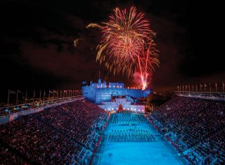 Edinburgh, Scotland - A military band perform on the esplanade during The Edinburgh Military Tattoo © VisitScotland, Kenny Lam