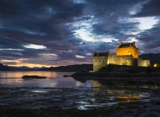 Eilean Donan Castle, Scotland - On Loch Duich at Dornie (01) © VisitScotland, Kenny Lam EXPIRES 6.6.2022
