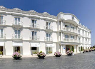 Gran Hotel Suances main entrance