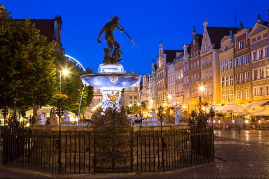 Poland, Gdansk, Neptune fountain, statue, old town, group travel © Gdansk Tourism Organization