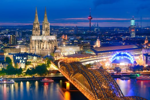 a weekend in Cologne at night, Germany ©GNTB / McDonald,Germany - Cologne - View towards the city centre with cathedral and Hohenzollern Bridge ©Deutsche Zentrale für Tourismus e.V., Francesco Carovillano, GNTB EXPIRES 27.11.2019
