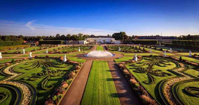 Germany - Hannover - Big garden, aerial view of the Royal Gardens of Herrenhausen, water fountain © Landeshauptstadt Hannover, FB Herrenhäuser Gärten, Lars Gerhardts, GNTB EXPIRES 27.11.2019