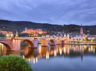 Germany - Heidelberg - Old Bridge and Heidelberg Castle - South West Germany for Groups © Deutsche Zentrale für Tourismus e.V., Francesco Carovillano, GNTB EXPIRES 27.11.2019