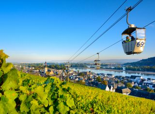 Rhine in Flames - Germany - Rüdesheim - View of Rüdesheim am Rhein and the surrounding vineyards © Deutsche Zentrale für Tourismus e.V., Francesco Carovillano, GNTB EXPIRES 27.11.2019