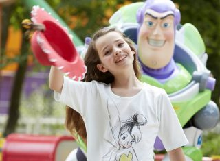 Buzz Lightyear and Girl ©Disney