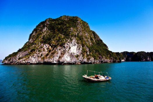 Southeast Asia, Vietnam, Halong Bay © Easia Travel