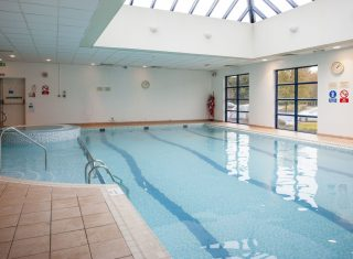 Swimming Pool © Holiday Inn London Shepperton