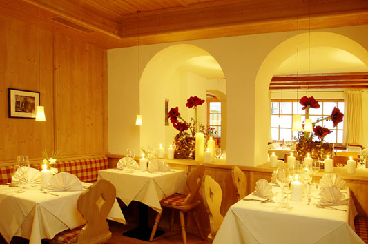 Hotel Tyrol In Pfunds Restaurant Greatdays Group Travel
