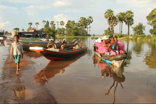 Cambodia, Kampong Chhnang, floating village, river boats © Easia Travel
