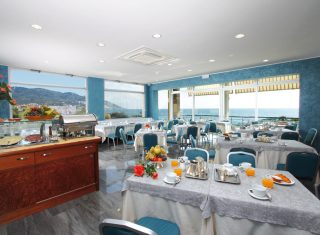 Hotel Bellevue & Mediteranee, Diano Marina - Restaurant (C) Hotel Bellevue & Mediteranee