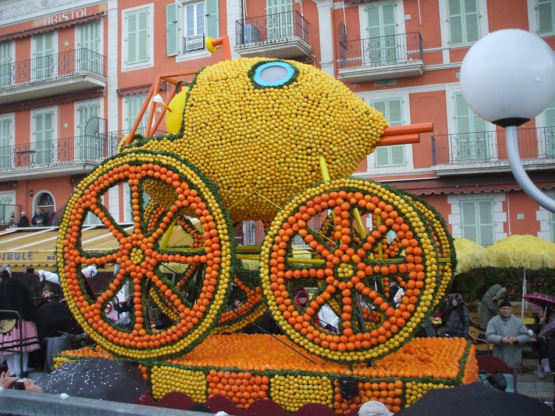 Menton Lemon Festival Amp Nice Carnival Floats Fruit And