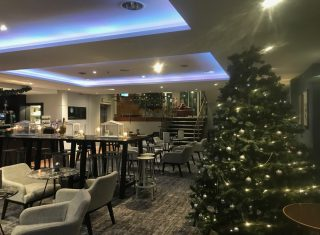 Mercure Warwickshire Walton Hotel and Spa - Bar decorated for Christmas