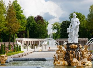 Paleis Het Loo, Apeldoorn, Holland, Netherlands - Venus fountain with view on the Colonnade © Photo Hesmerg, Paleis Het