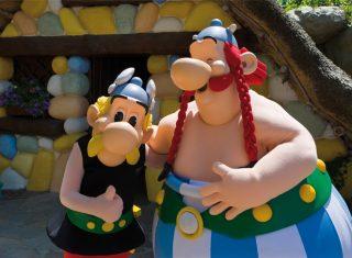 Parc Astérix, France - Theme Park - Asterix & Obelix © Asterix® - Obelix® - © 2017 Les Éditions Albert René-Goscinny-Uderzo