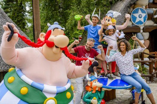 Parc Asterix, France - Theme Park - Asterix & Obelix and family © Asterix® - Obelix® - © 2017 Les Éditions Albert René-Goscinny-Uderzo