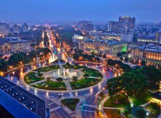 Philadelphia, Pennsylvania, USA - Benjamin Franklin Parkway © Photo by B. Krist for GPTMC, Visit Philadelphia®,