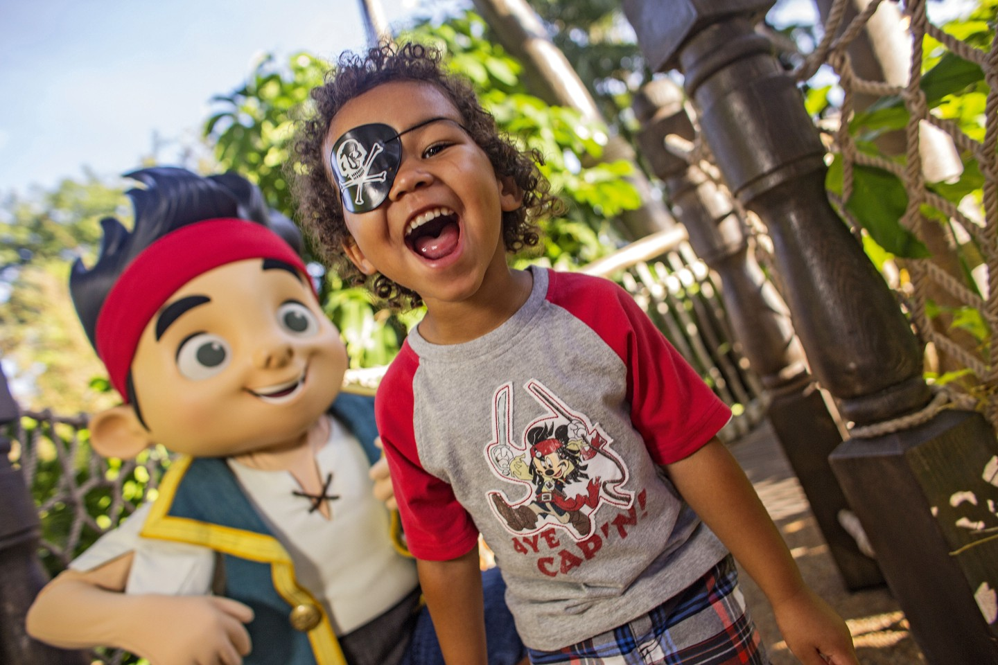 Pirate Jake & Young Guest ©Disney