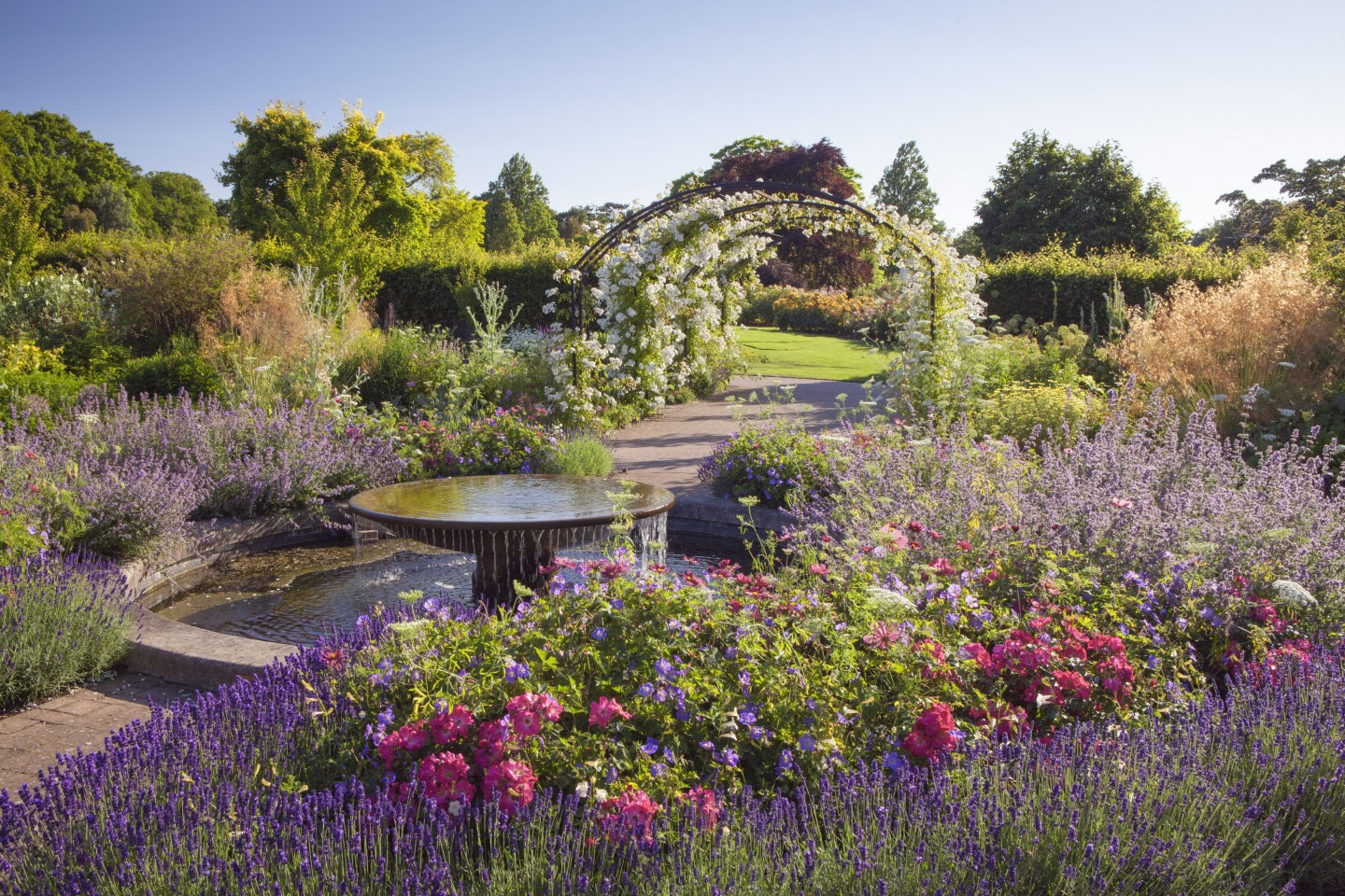 Tour an English Garden in Maryland