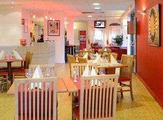 Restaurant at Ibis Caen Herouville Savary Hotel