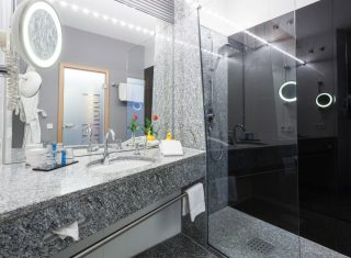 SEEhotel-Friedrichshafen-bathroom