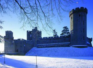 Warwick Castle, Warwickshire - Castle in Snow © www.warwick-castle.com