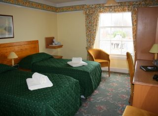 Yarn Market Hotel, Dunster, Somerset - Twin bedroom