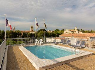 Best Western Atrium Arles swimming pool (NCN)